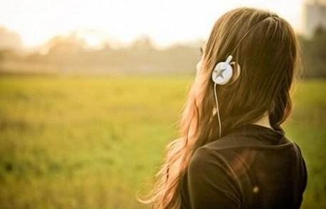 森女听音乐唯美