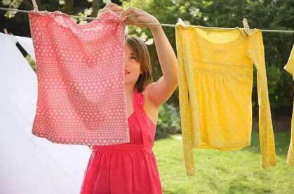 怎么保持衣服的鲜艳度,专家教你8个窍门
